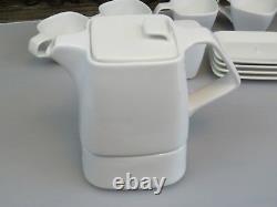 Bredemeijer Wing Modern Bone China Tea Set -Teapot -Sugar Bowl -4 x Cup/Saucer