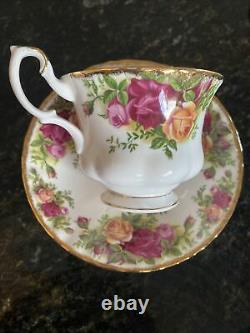 Old country roses tea cup sets Saucer Set Of Six Royal Albert England