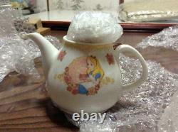 Tokyo Disney Land Alice in Wonderland Tea Pot & Cup & Saucer & Cutlery Set TDR